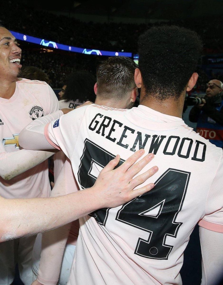 CRAZY Man United Uses PSG Font For Youngster Against PSG