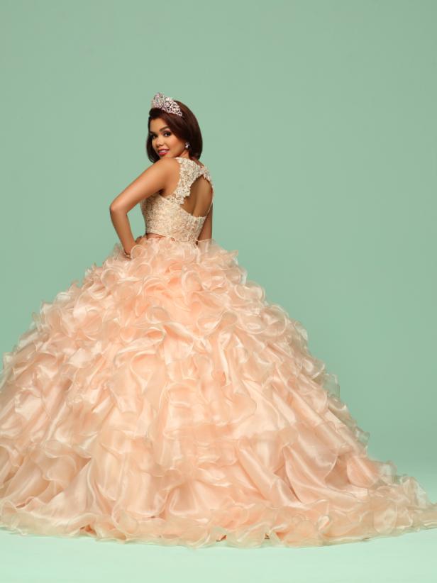 c30404fbe37 Vestidos de quince modernos y elegantes 2018 DaVinci Bridal ...