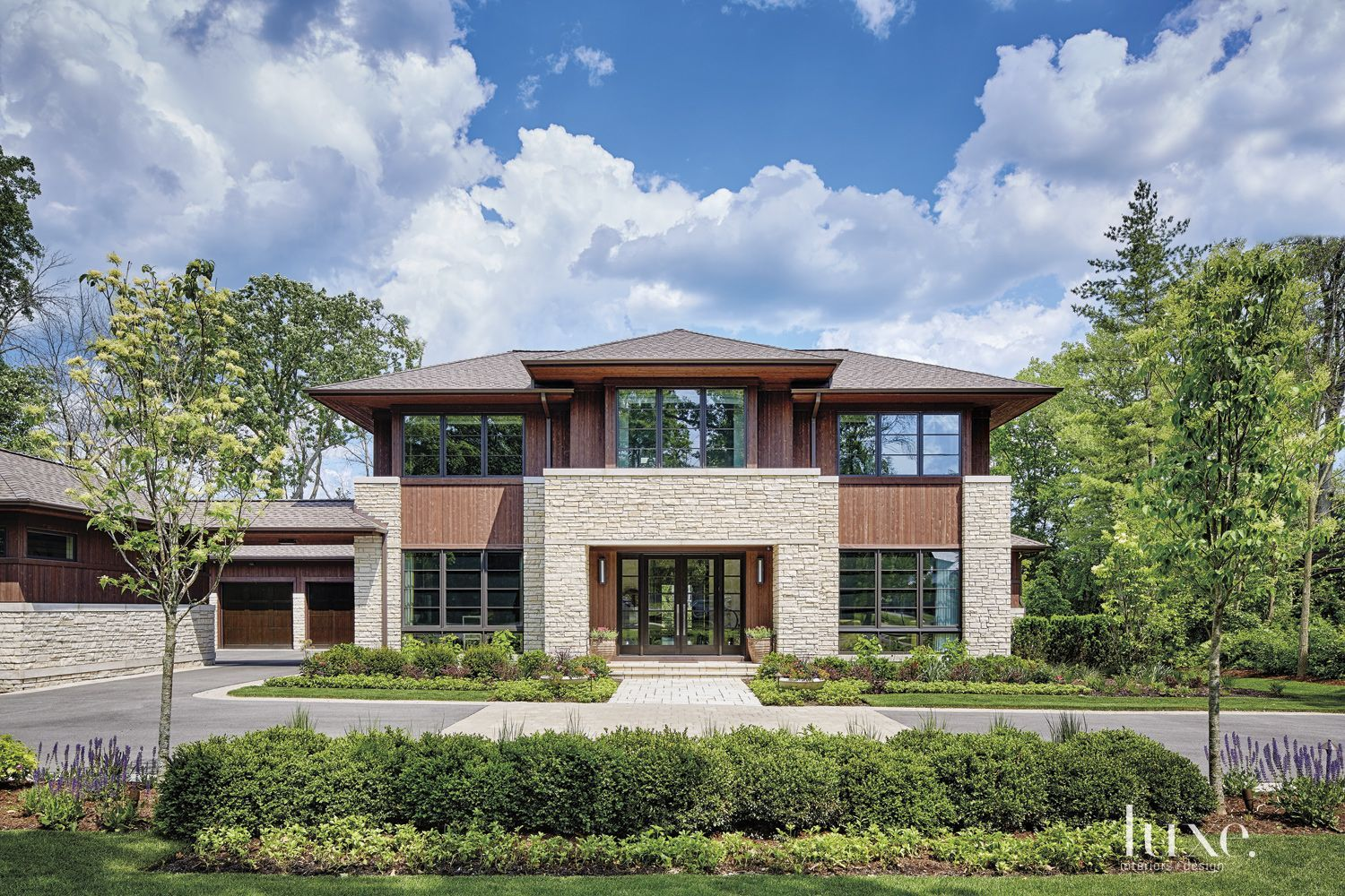 A transitional chicago home with a prairie style exterior for Prairie style architecture