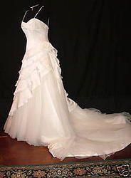 Super fun and flirty wedding dress tulle and satin ruffles sweetheart neckline simple IMPRESSIONS LAYERS Wedding dress SZ 12 ON SALE at thegreenbridedenver.com