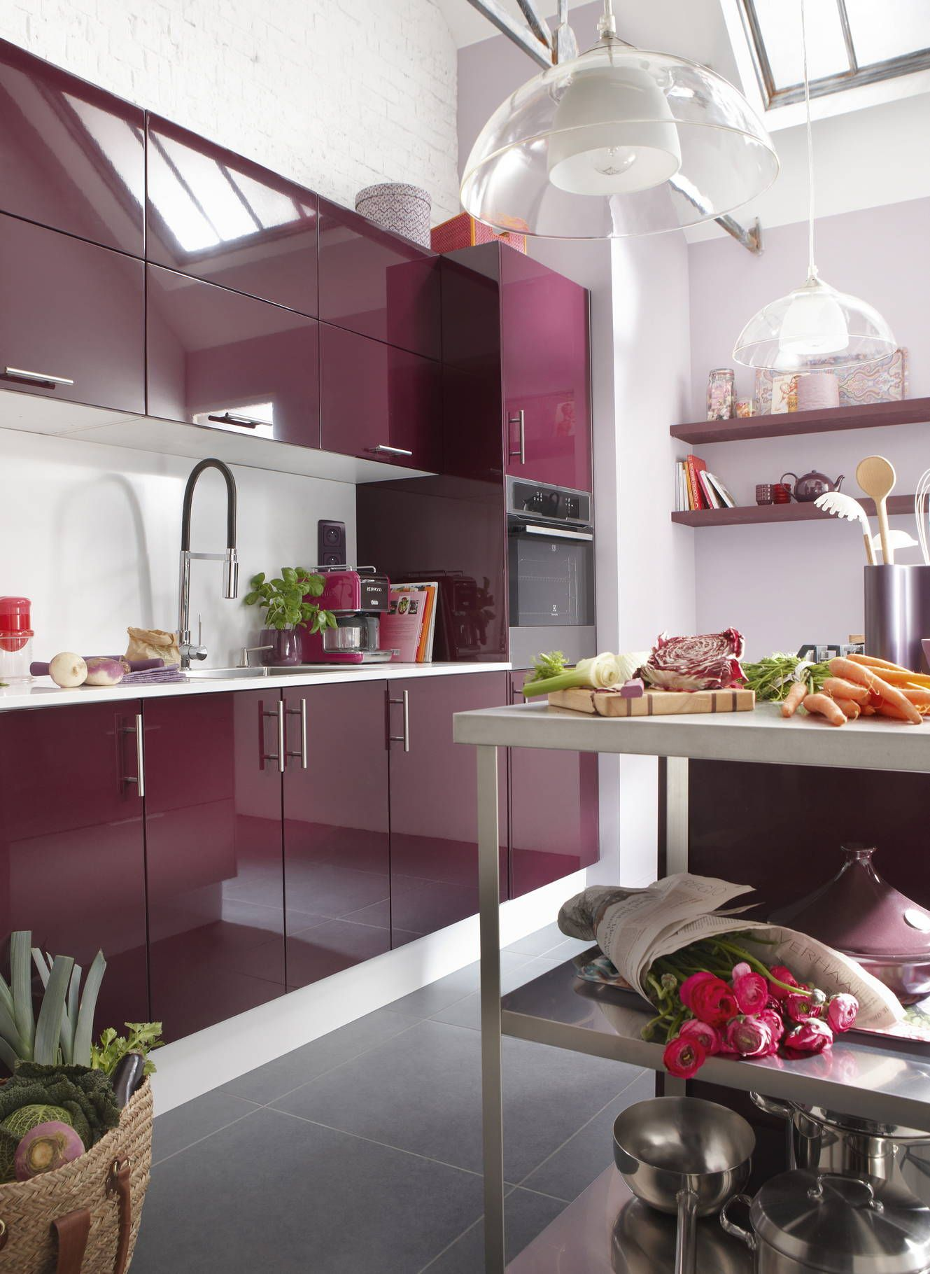 Une cuisine Aubergine pour cuisiner comme un chef  Idee cuisine