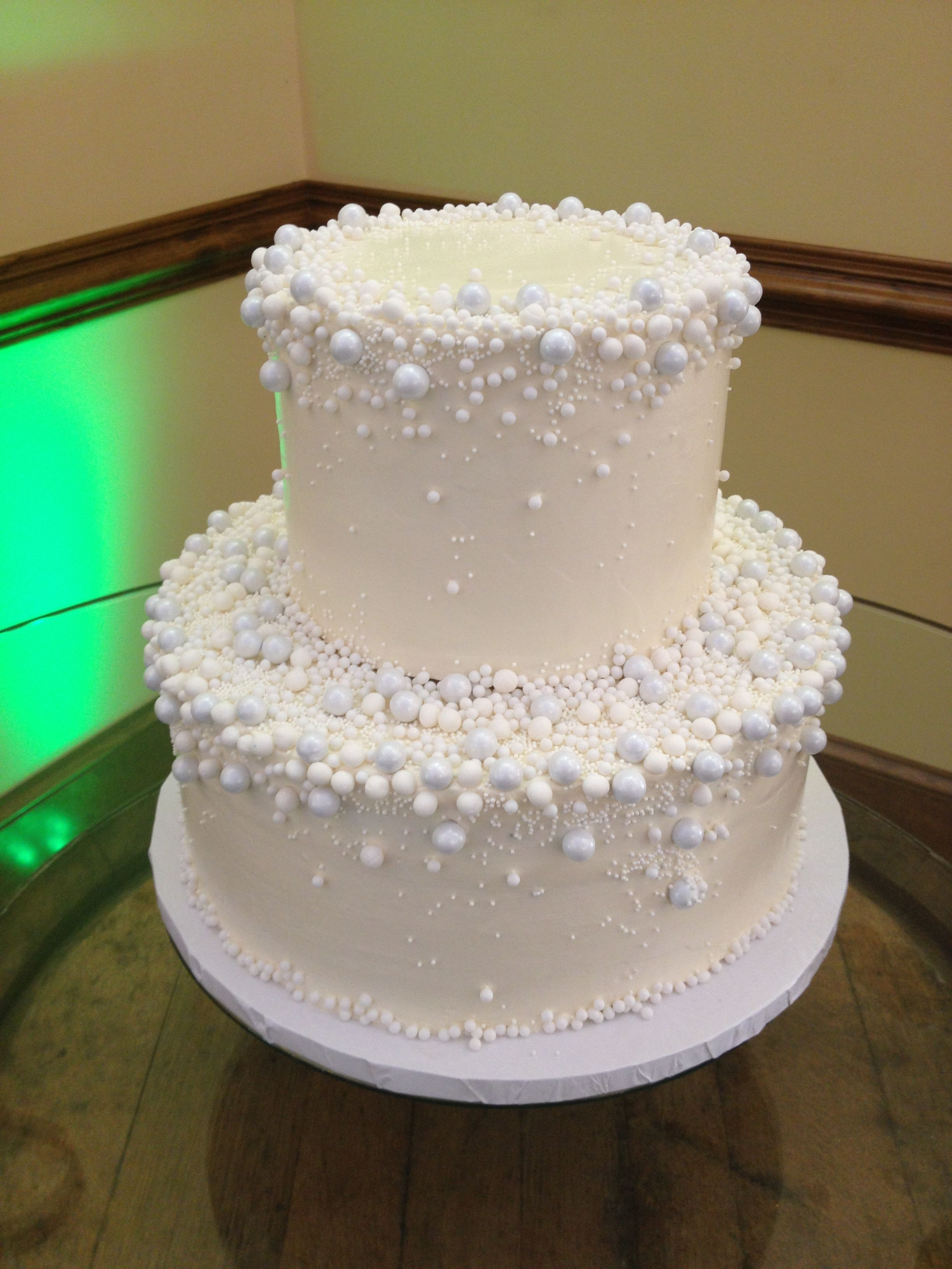 Cute pearls and bubbles Snowing cake