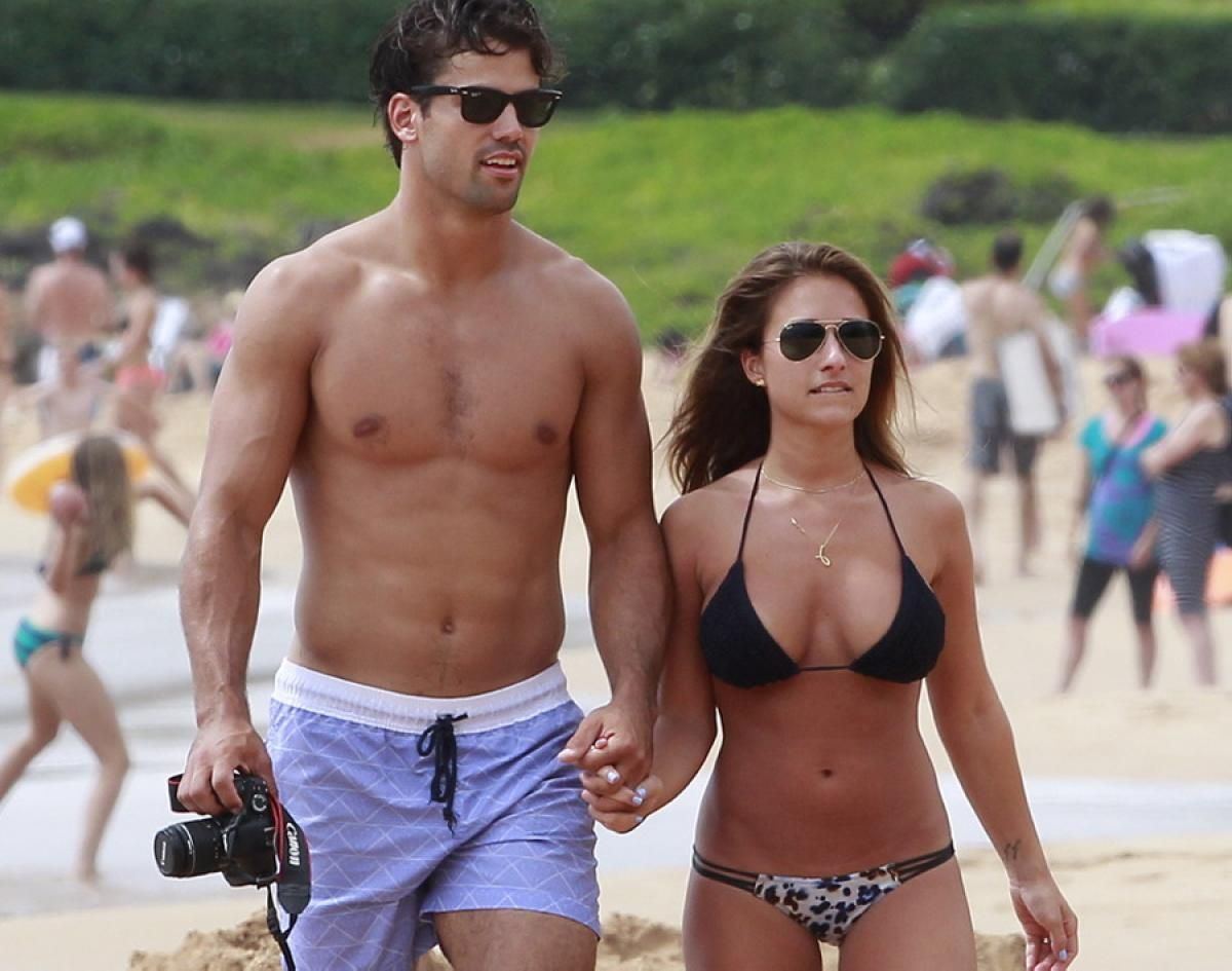 Ray ban sunglasses for couple - Hotties On A Honeymoon Country Singer Jessie James And Nfl Wide Receiver Eric Decker Tied