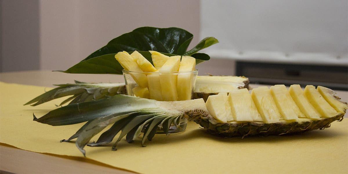 Rhum arrangé à l'ananas | Rhum arrangé ananas, Fruit le ...