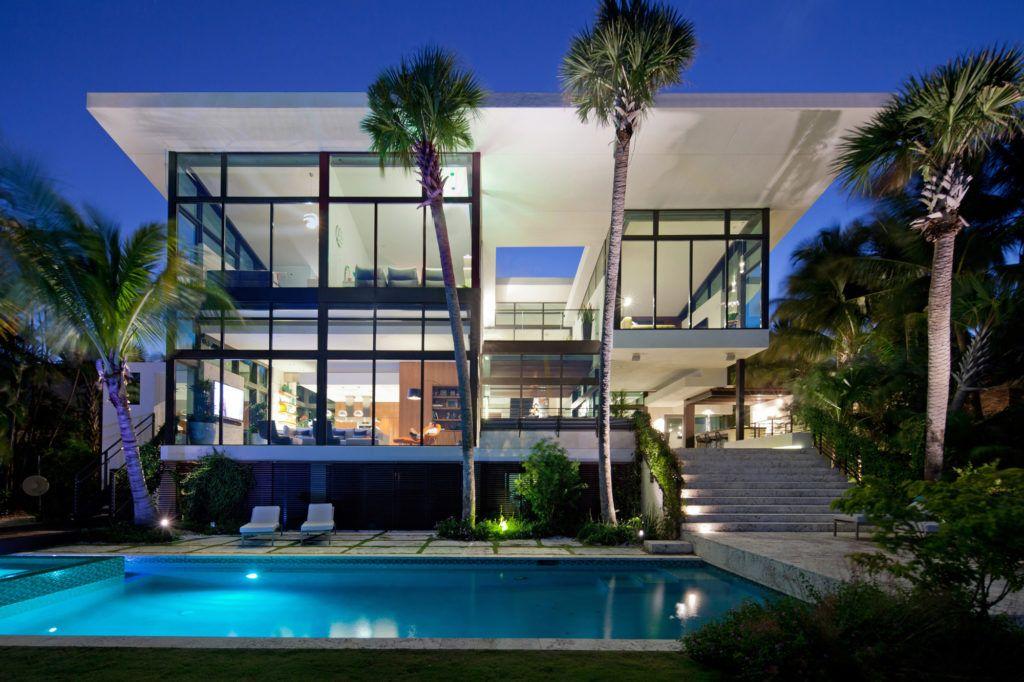 Casa Coral Gables Miami Casas Modernas Fachadas Fachadas De Casas Modernas Fachada De Casa Casas De Ensueno