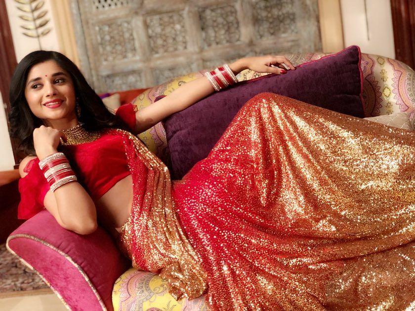 Shouldn T Saree Be Rewarded As The Sexiest Attire For A Girl Saree Designer Saree Blouse Patterns Saree Designs