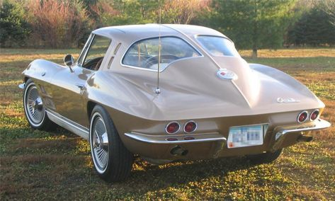 1963 CHEVROLET CORVETTE SPLIT WINDOW COUPE -  - Barrett-Jackson Auction Company - World's Greatest Collector Car Auctions