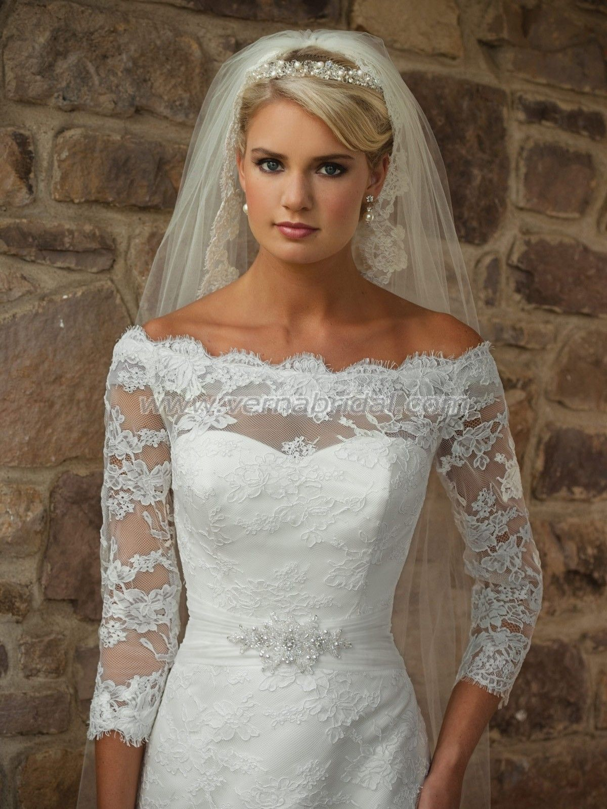 Pictures of wedding gowns with sleeves wedding dress with lace