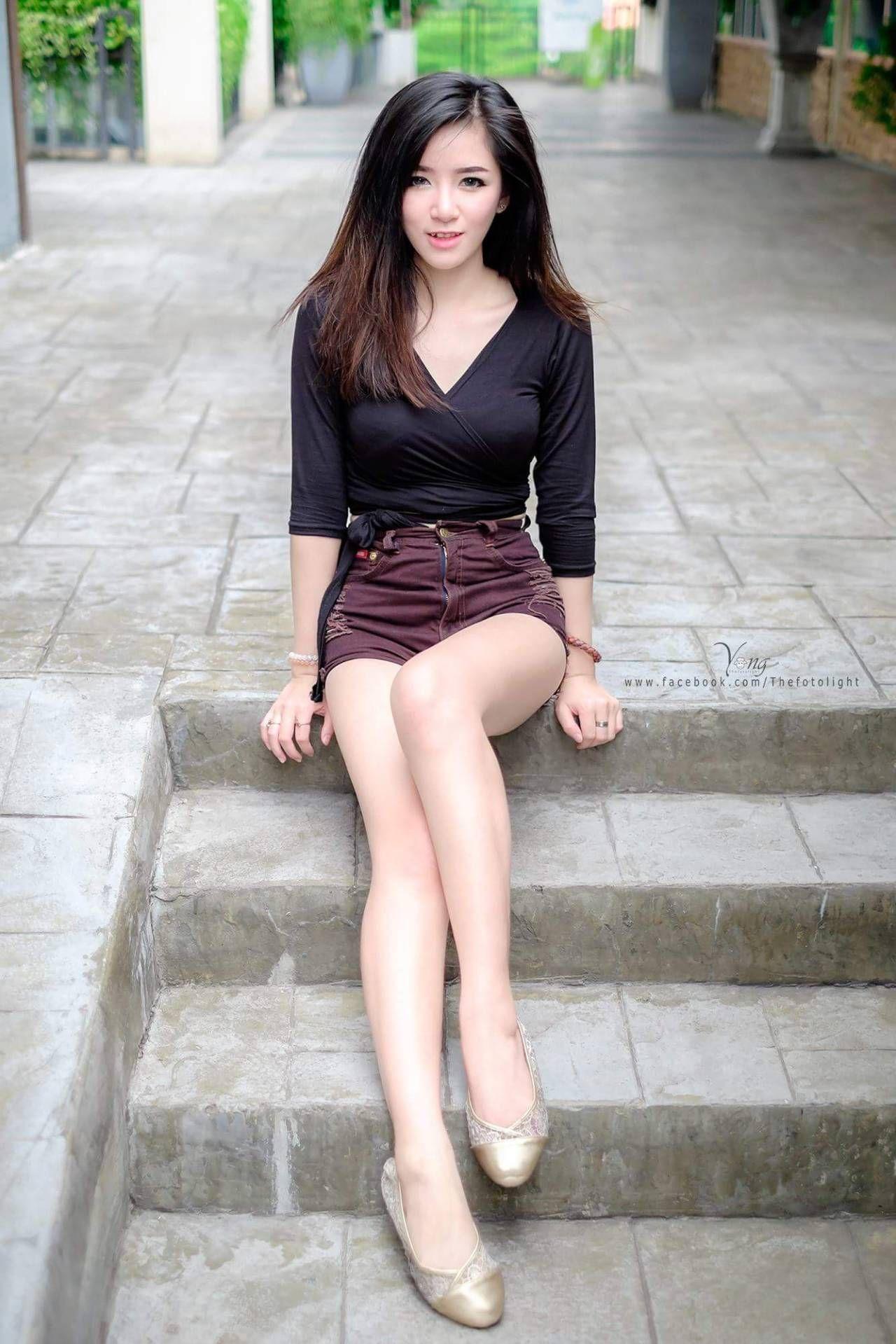 Nude Thai Girl