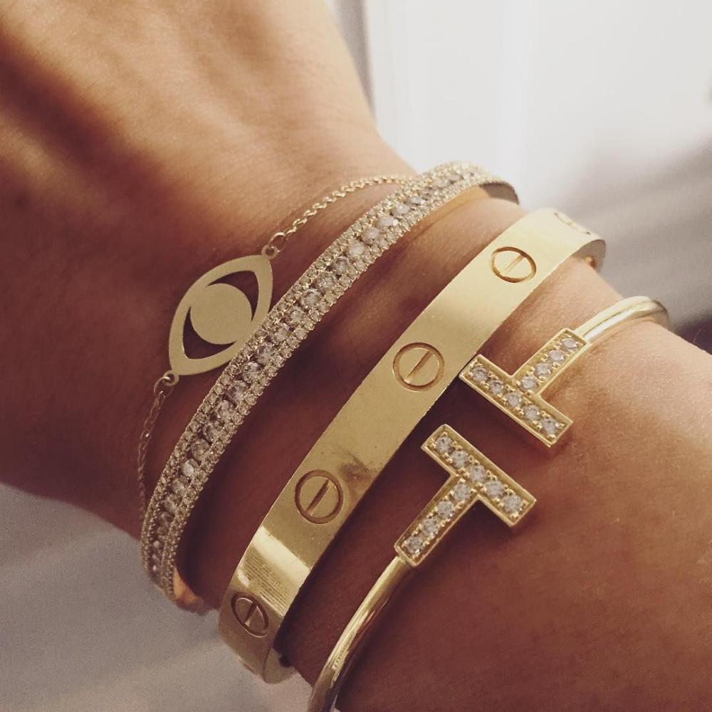 Arm Stack. Bracelet lover. #diamonds #neutralsinc