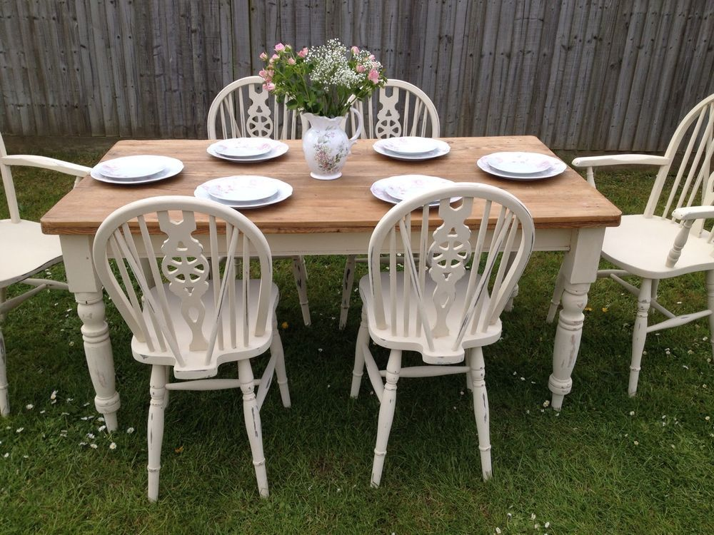 Painted Vintage Old Pine Table and Six Wheelback Chairs - Carvers - Stunning! Painted Vintage Old Pine Table And Six Wheelback Chairs