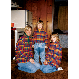 I Want To See What Happens Funny Family Photos Awkward Family Photos Akward Family Photos