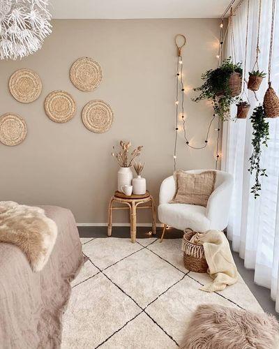 Lights, plants, rug, basket, pillow