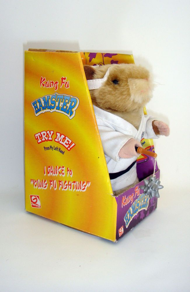 2001 Gemmy Kung Fu Hamster Dancing Singing White Coat New