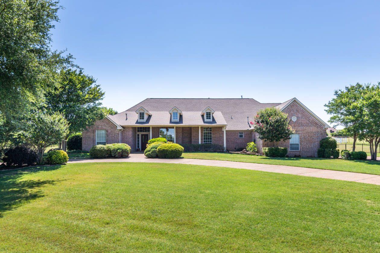 Equestrian Estate For Sale in Denton County , Texas