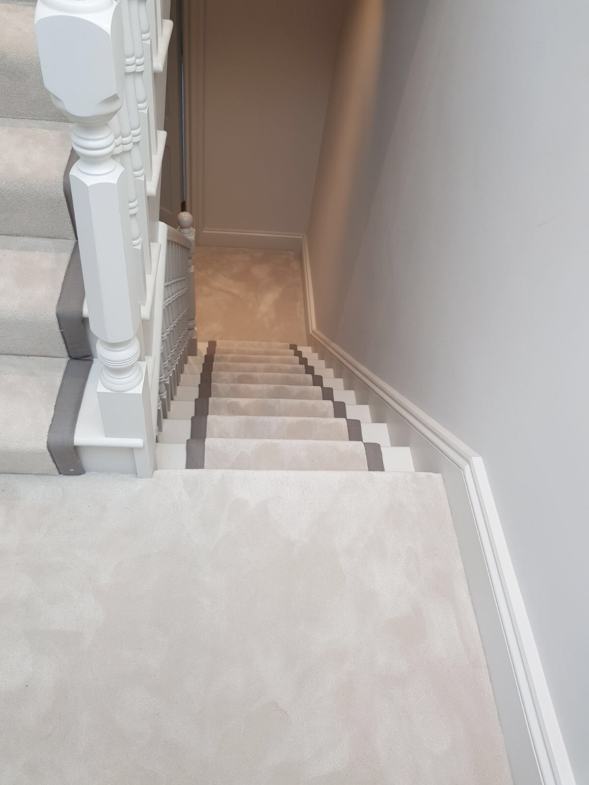 Alfombras Para Escaleras Installing Van Besouw Carpet To Stairs In West London