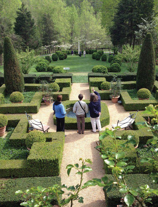 Booming Blooms - VirginiaLiving.com | Historic Garden Week Publicity ...