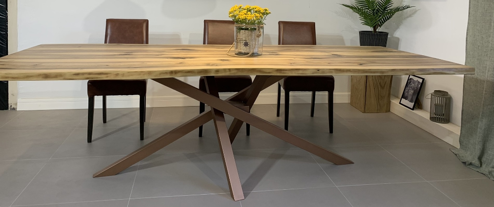 Table And Co Tables Uniques En Bois Massif D Exception Fabrication Francaise Table Bois Massif Table Bois Bois Massif