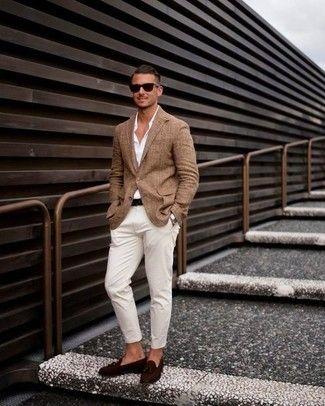 Cómo combinar: blazer marrón, camisa de vestir blanca