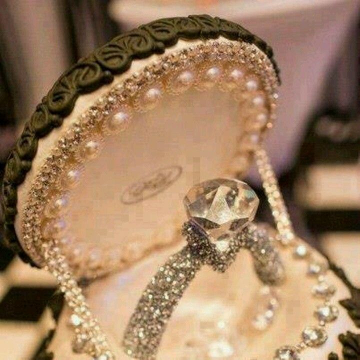 Engagement Ring Cakes - Go to StellarPieces.com for even more stunning jewelry!