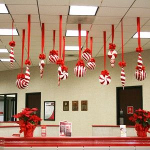 Home decor enchanting christmas decorating ideas photos for Adornos de navidad para oficina