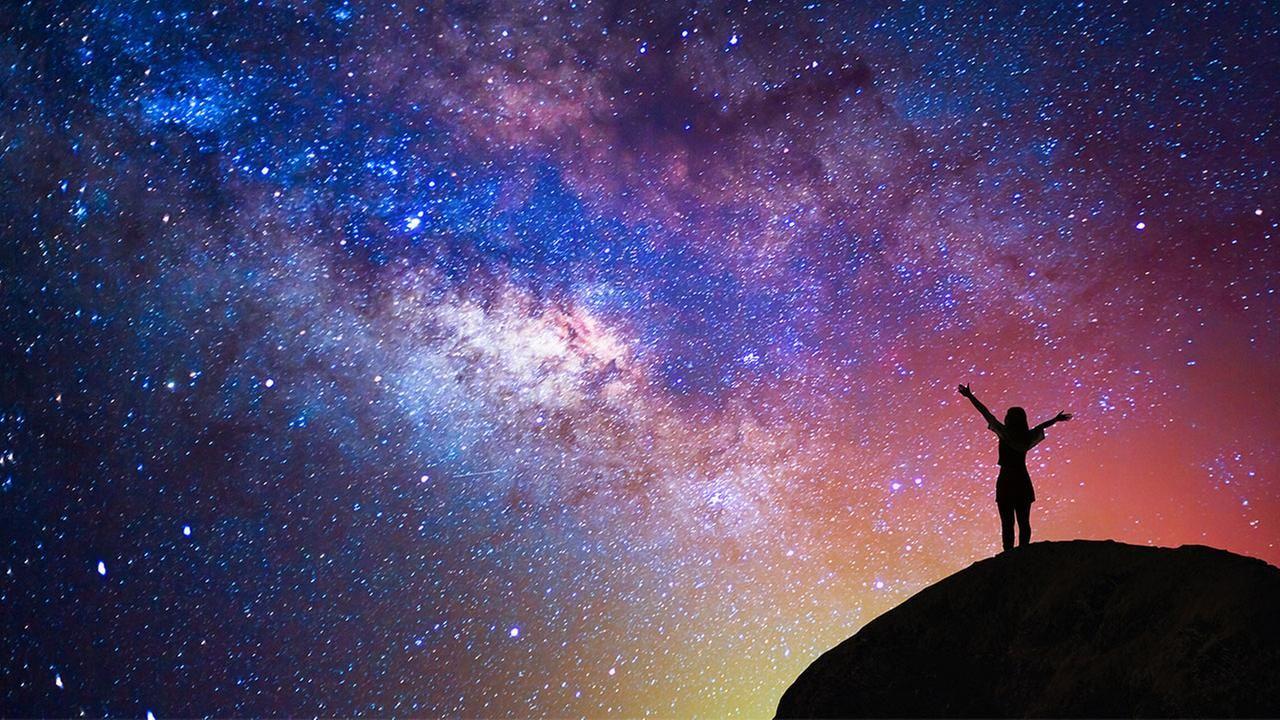 женские картинка космос и человек вертикально хотите сделать стрижку