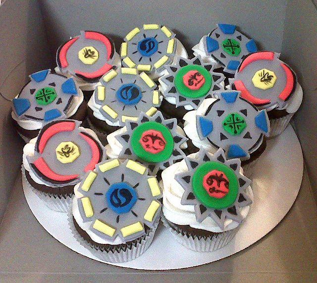 Beyblade Cupcakes In 2019 Boys Cakes Beyblade Cake