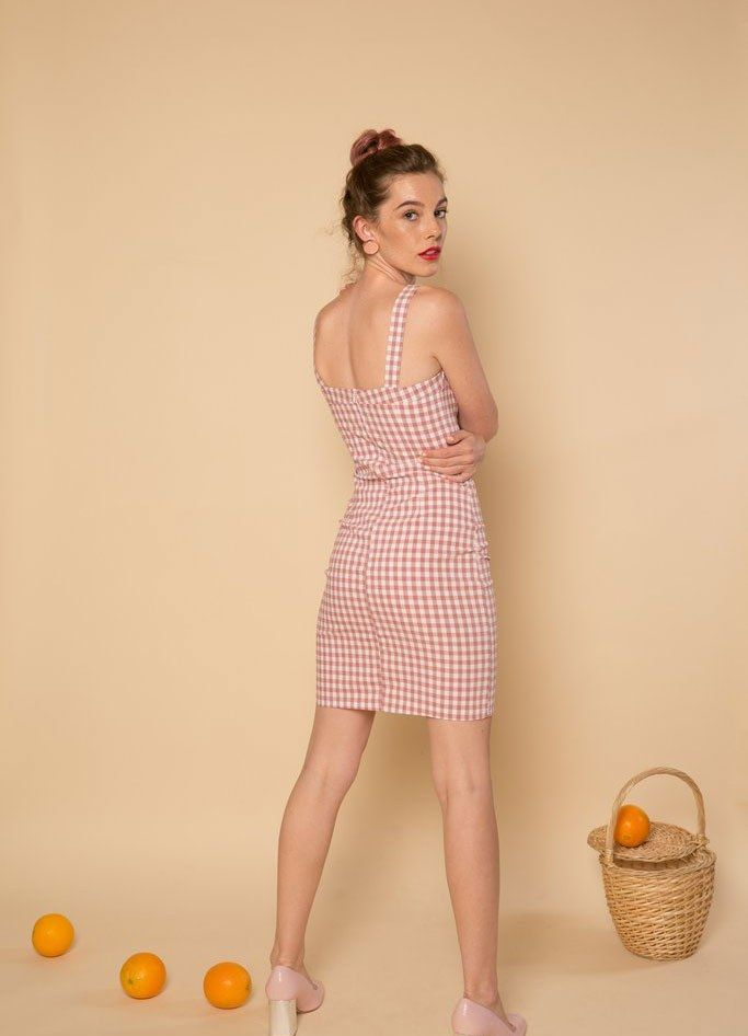 061fcc3b581 All the Gingham Dresses to Buy While You Still Have Summer Weekends Cool Summer  Outfits