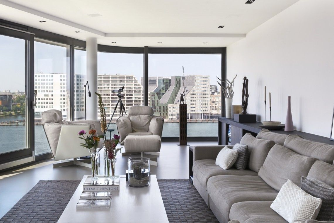 Van der windt inrichting penthouse met strak interieur for Inrichting interieur