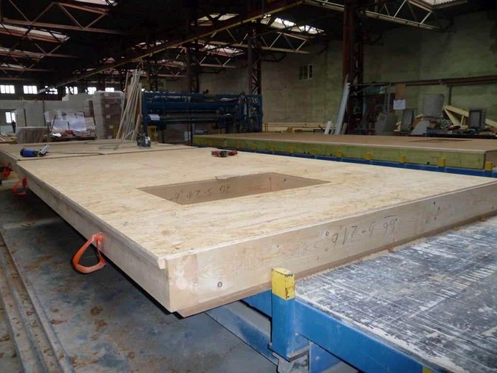 ossature bois en atelier pan de mur construction bois ecologique pinterest pan de mur. Black Bedroom Furniture Sets. Home Design Ideas
