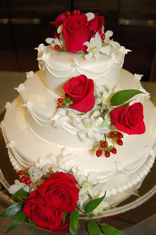 Beautiful Red Rose Wedding Cake Cake Decorating Pinterest