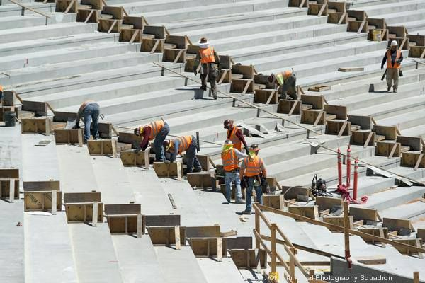 6fff4d89d Levi s Stadium construction ahead of schedule! 49ers construction chief on  stadium-top garden