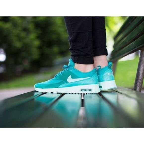 finest selection 44865 a7db8 RARE Women s Nike Air Max Thea ⚬BRAND NEW w  box but no lid.