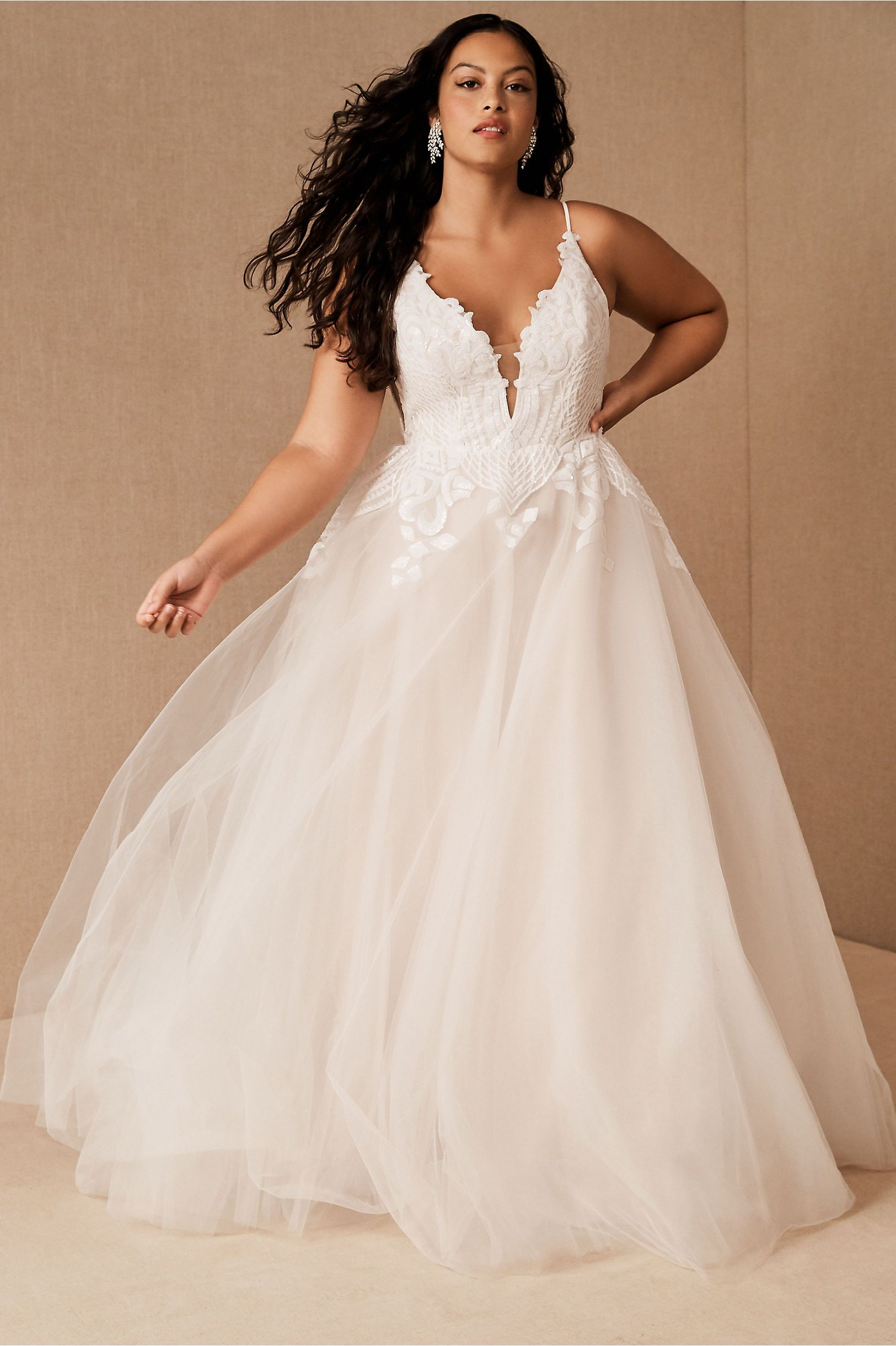 Bhldn S Hayley Paige Topanga Gown In Ivory Online Wedding Dress Plus Size Wedding Gowns Wedding Dresses Plus Size [ 2440 x 1625 Pixel ]