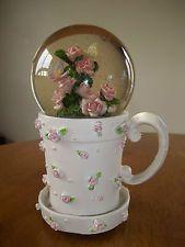 Musical snow globe coffee cup roses butterflies garde Beautiful Dreamer tune