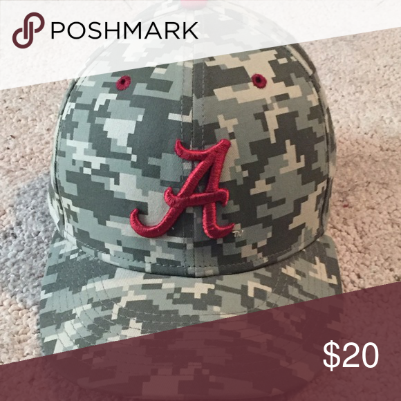 77fe3d69a93 Nike baseball hat Alabama Nike baseball hat. Digital camo. Practically brand  new only worn a few times. Nike Accessories Hats