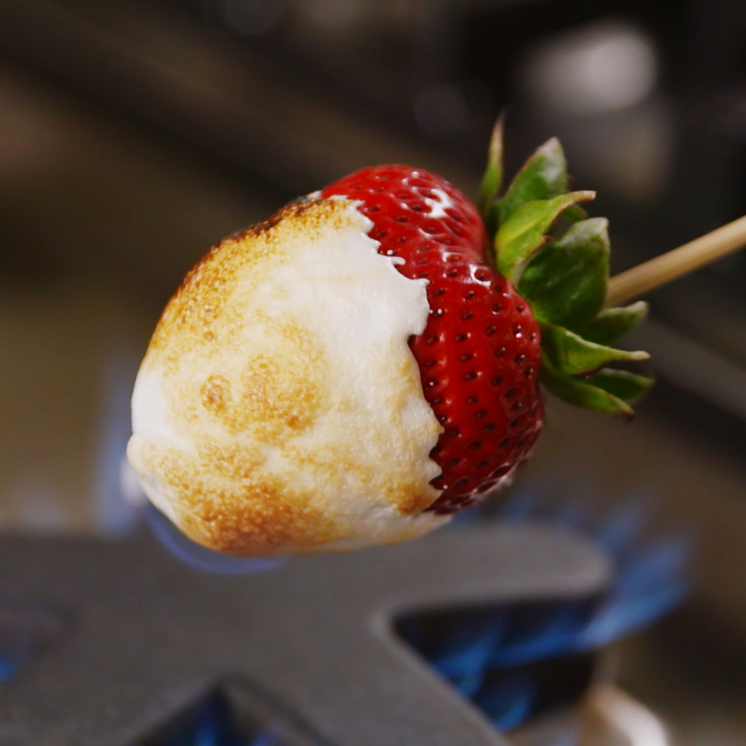 Campfire Strawberries #healthymarshmallows