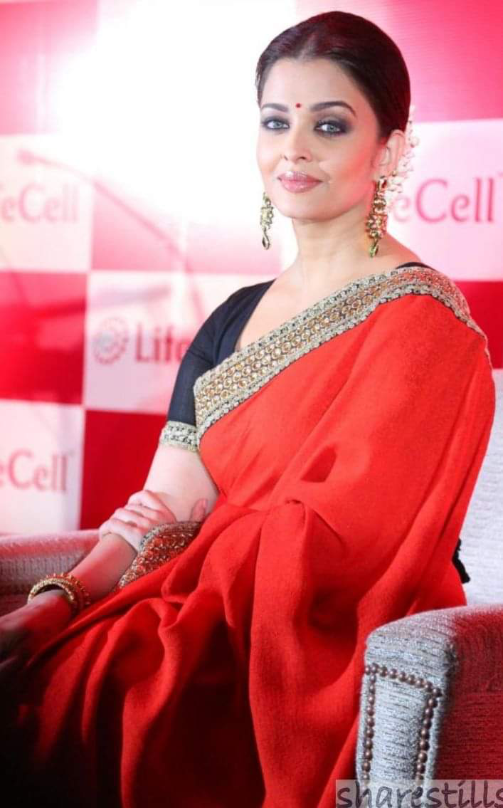 Aishwarya Rai Bachchan Red Saree Actress Aishwarya Rai Aishwarya Rai Pictures Indian Actresses