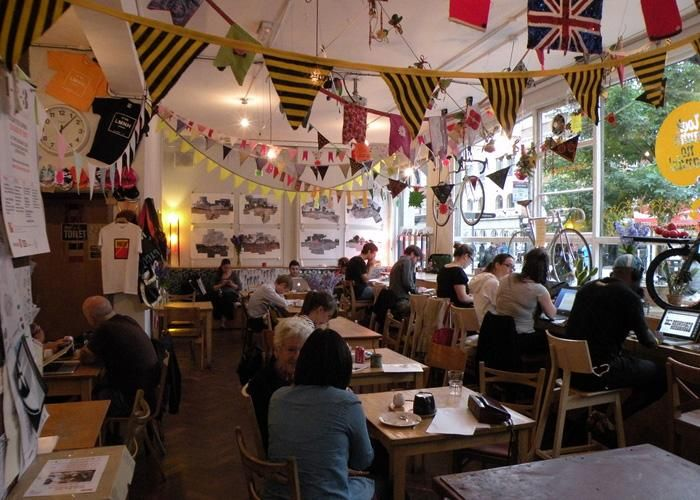 Looking for the best coffee shops in London - you've come to the right place - because we've tracked down all the best independent coffee shops the captial has to offer. From Shoreditch Grind to Monmoth and Look Mum No Hands.
