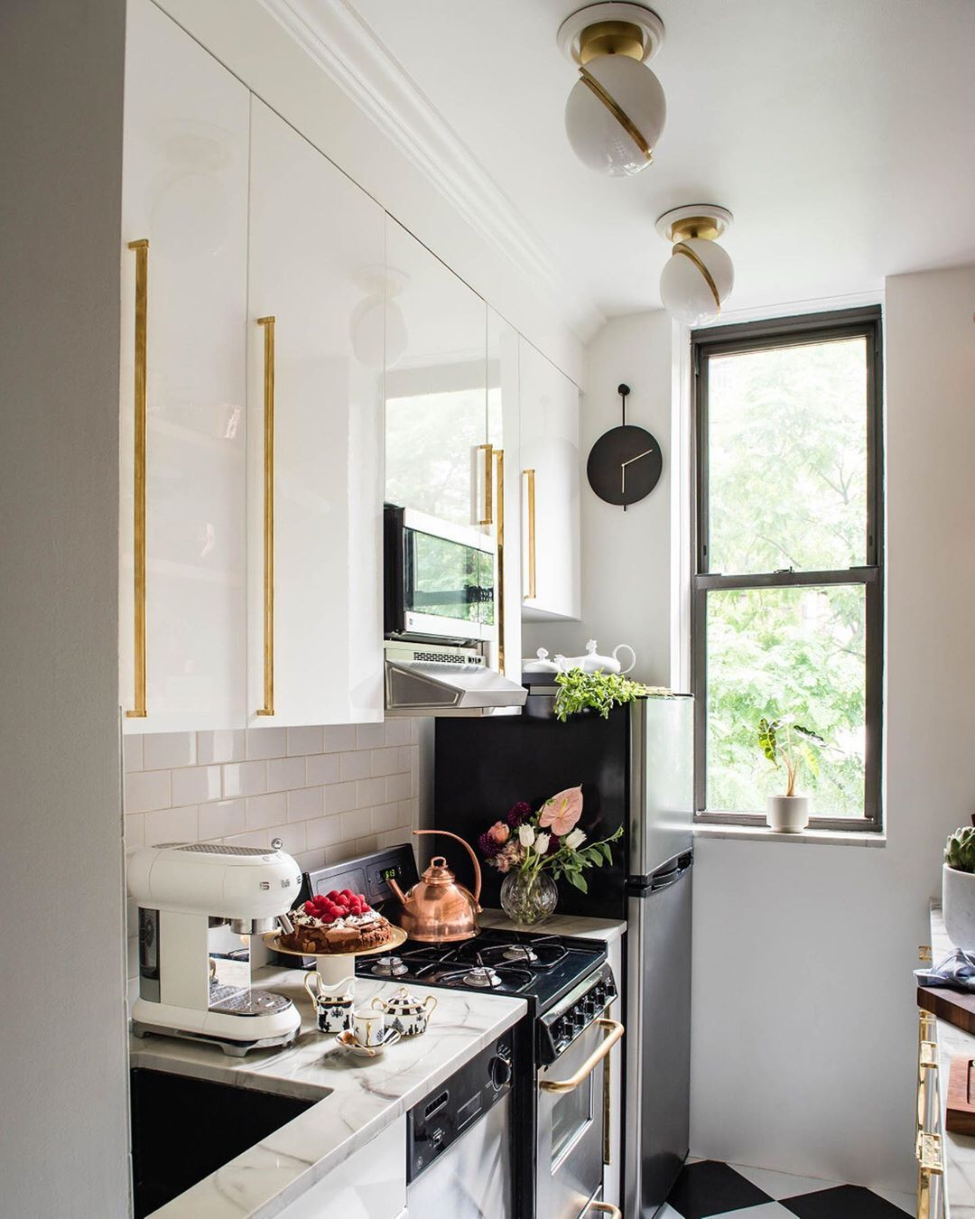 Smallspace Living: Tips For Making Your Small Kitchen Feel Super Spacious