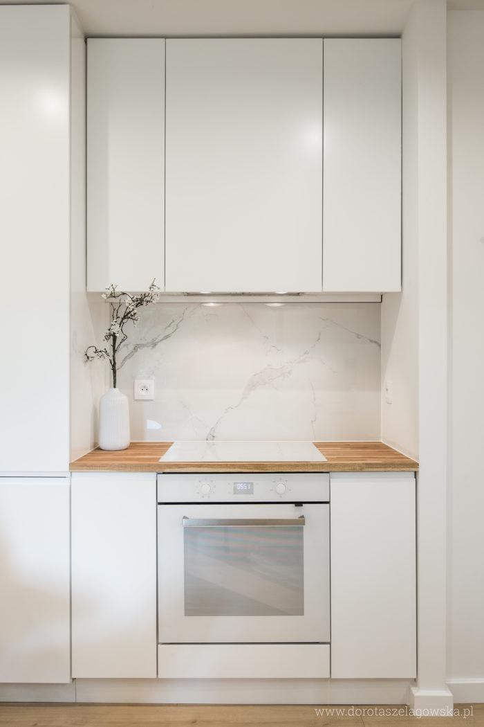 Ultimate Marble Gres Imitujacy Marmur Castorama I Wszyscy Plakalismy Czyli 1 Odcinek 4 Sezonu Domowych Rewolucji Do Kitchen Interior Kitchen Design Kitchen