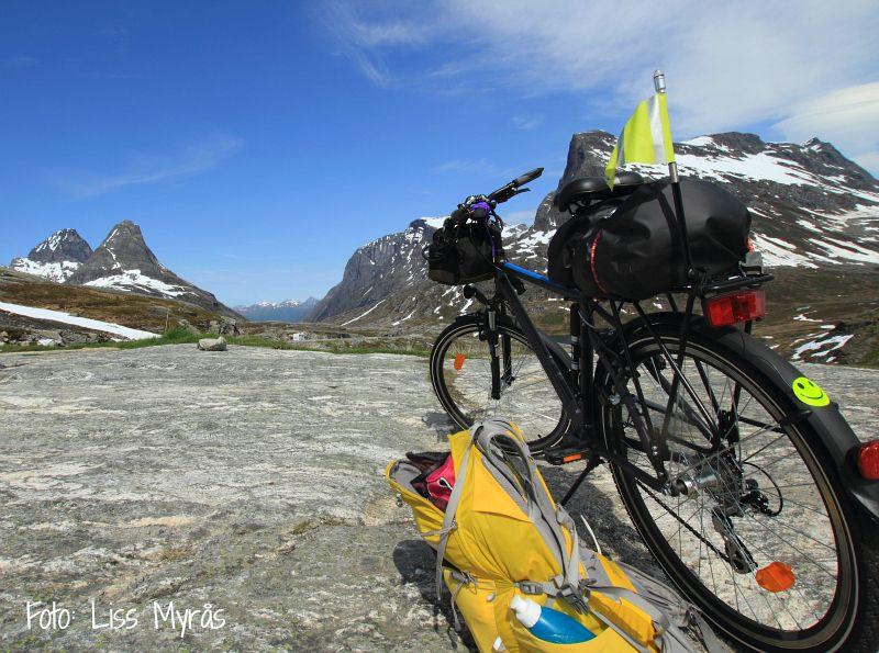 Bike Hike Cykeltur Andalsnes Rauma Romsdal Bispen Kongen Foto Liss