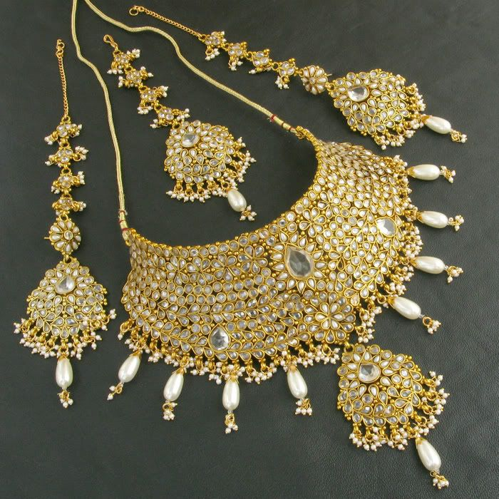 Latest Gold Jewellery Designs >>> Read more by visiting the link ...
