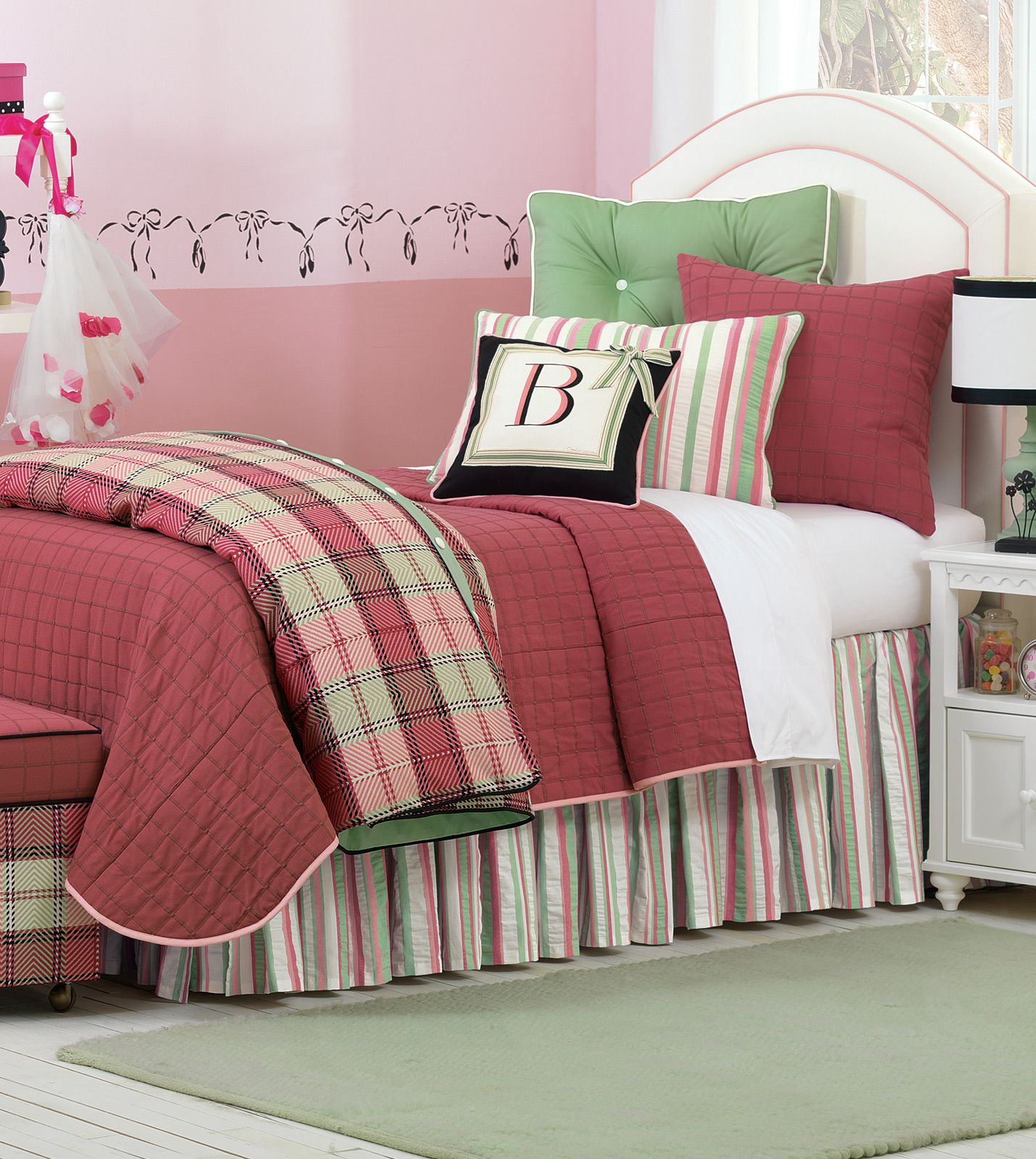 Luxury Bedding By Eastern Accents Pinkerton Berry Ensemble