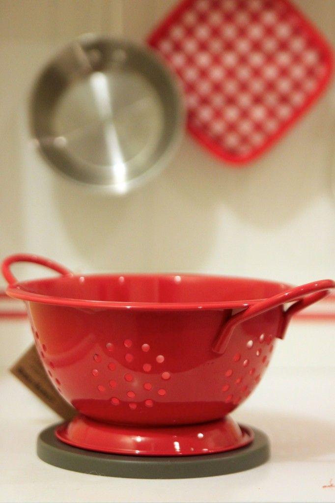 Mini strainer for a play kitchen | Peanut Blossom
