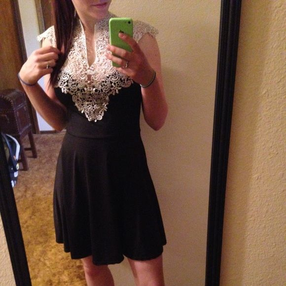 Boutique dress Worn once! In perfect condition. Dresses Mini