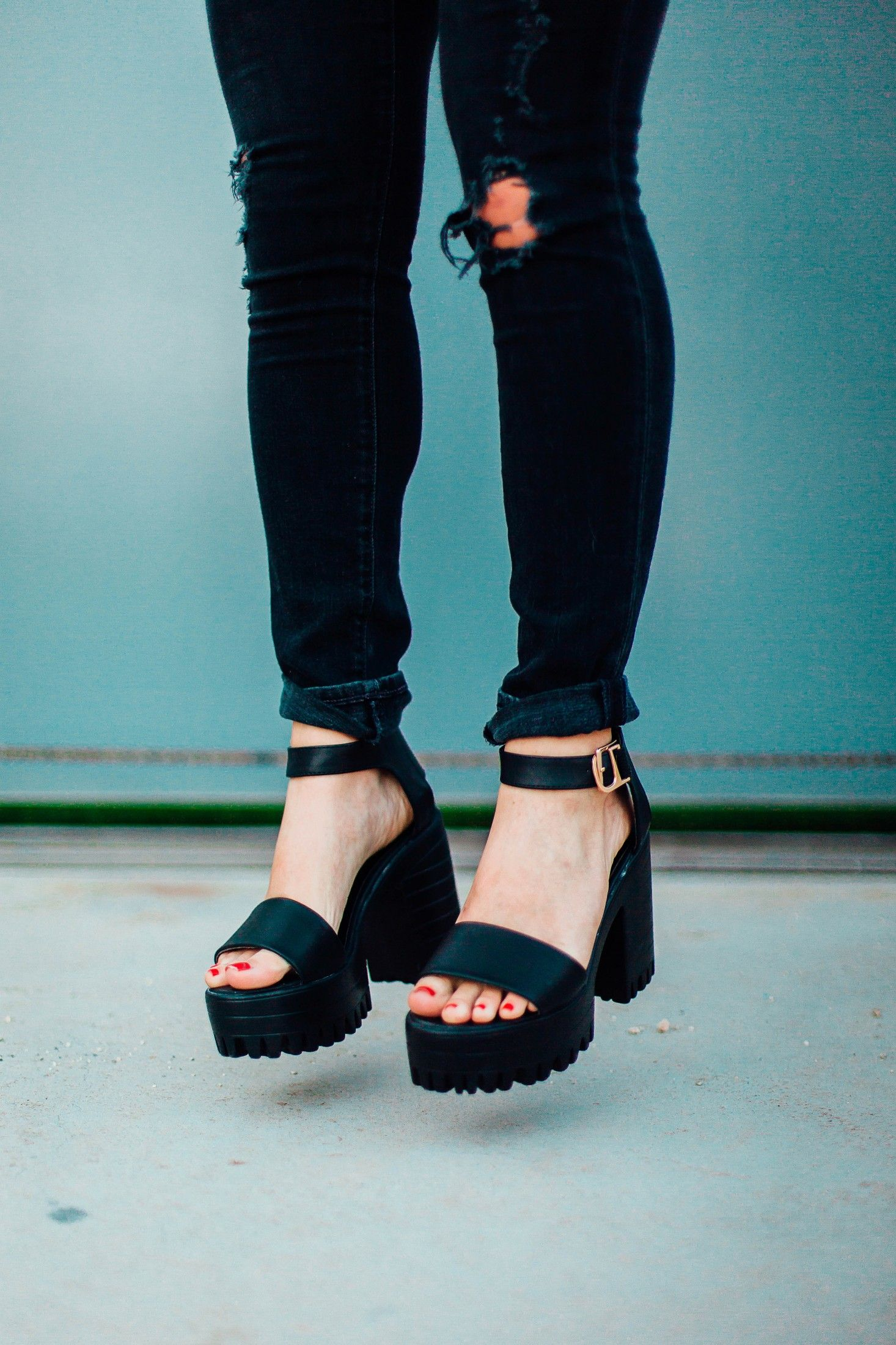 Black sandals grunge - Black Chunky High Heel Buckle Strap Hidden Platform Sandals