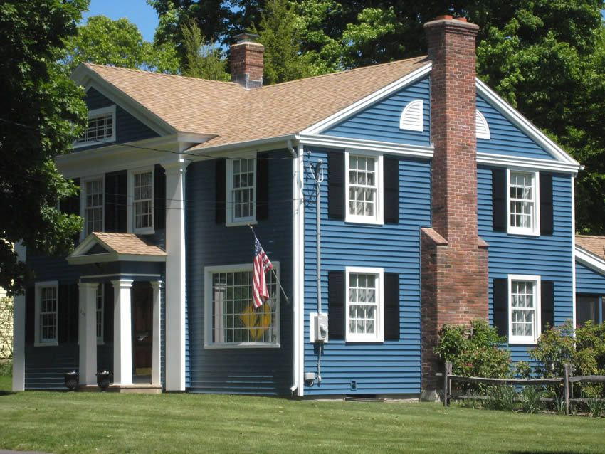 Royal woodland siding 4 1 2 in heritage blue with azek for Blue siding house