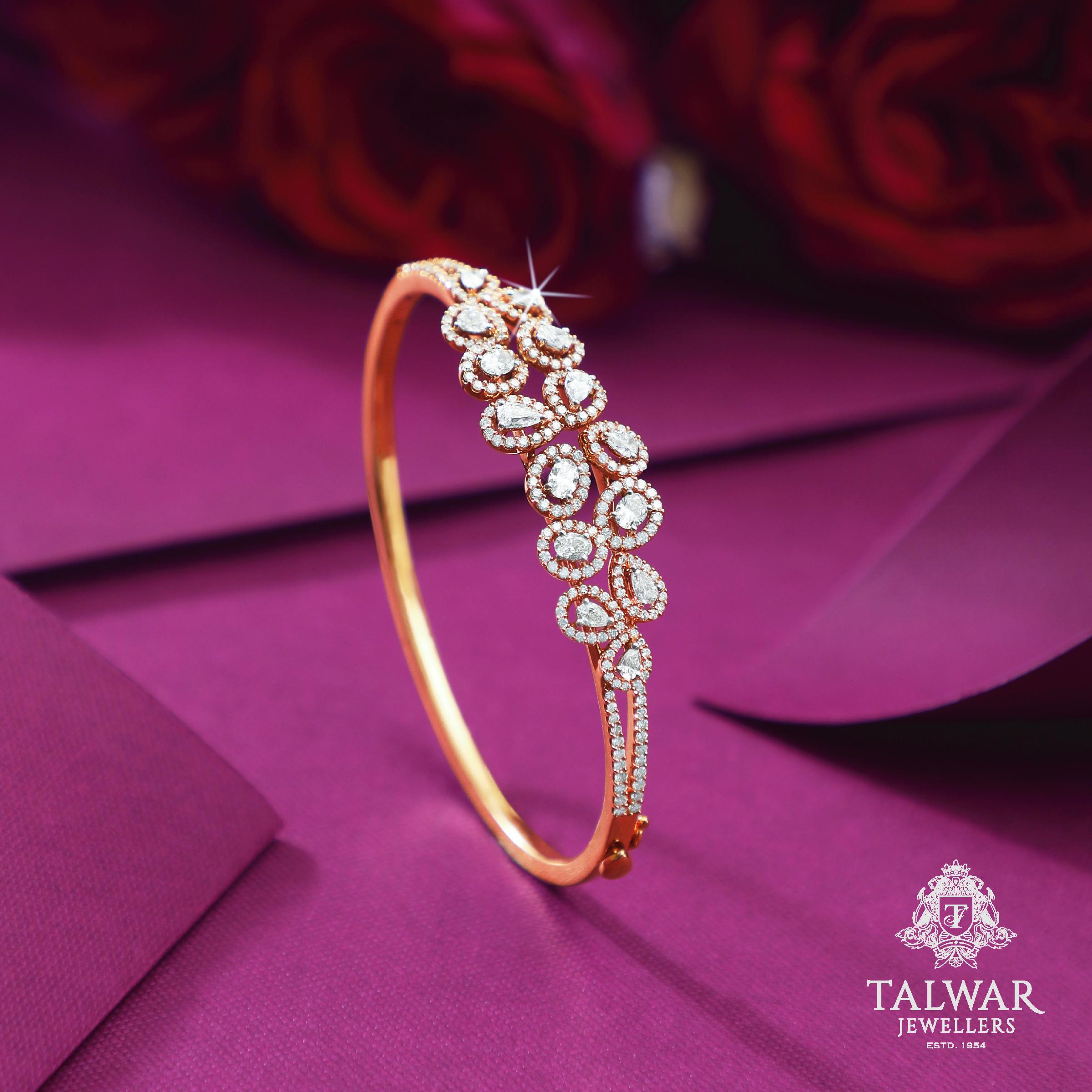 Pin by Arun BENGANI on Bracelets and bangles | Pinterest | Bangle ...