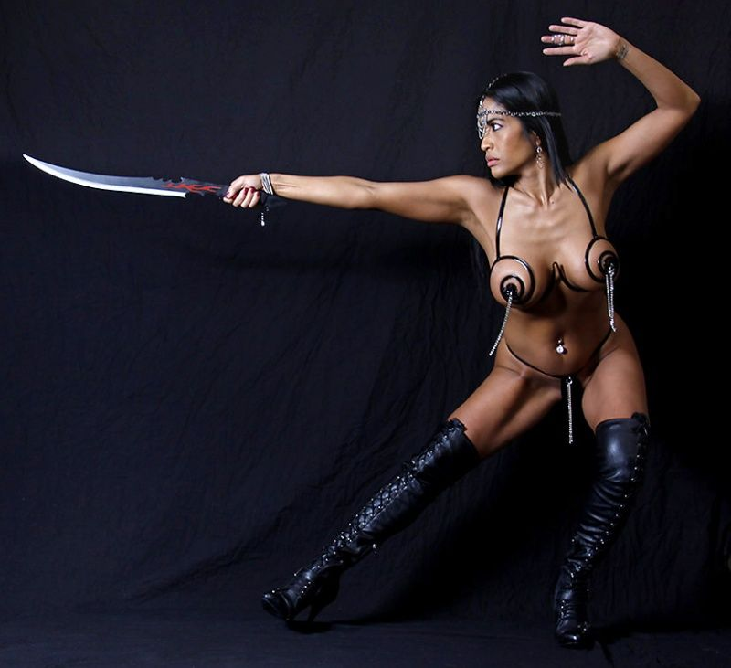Tia Lyons - Sword play study from the